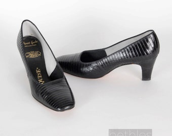 1960s Shoes Black Shoes Black Pumps Alligator Lizard Pumps Vintage 60s  Black Court Shoes Black Heels Black High Heels