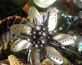 Abalone Wreath With Black Fresh Water Pearls