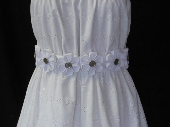 UNIQUE one of a kind... Japanese Kanzashi Belt, Hand-Folded Cotton Fabric Belt, White Flower Belt with Silver Buttons, Self-Tie Belt