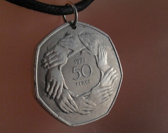vintage coin necklace ENGLAND  - UK -  olympic - friends - peace -  friendship - hands  - Pence  pendant. 1973 NO.00264