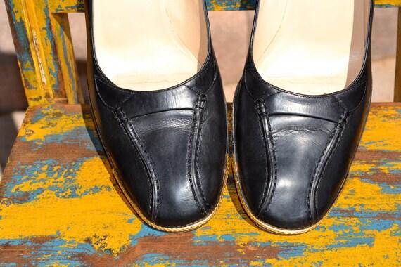Vintage BALLY designer black HEELS  7.5 38