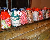 10 Vintage Apron in Mason Jar - Wedding Shower / Bridesmaid / Hostess Gift