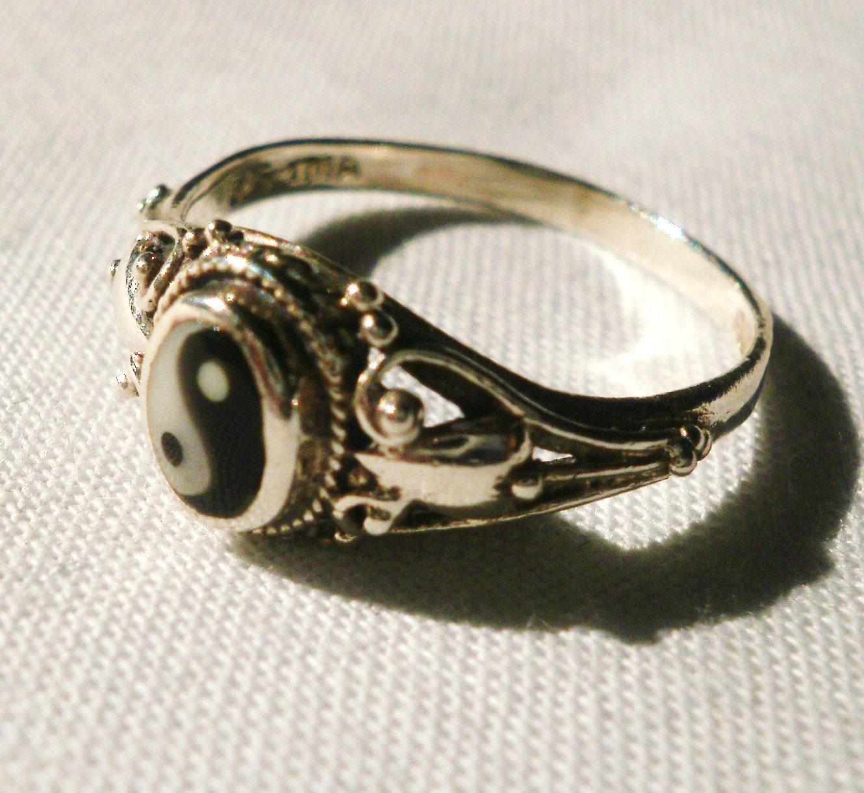 vintage sterling silver yin yang ring