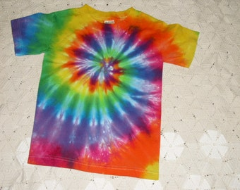 Tie dye shirt, Youth Sizes, rainbow spiral- HIPPIE HALLOWEEN COSTUME, 300