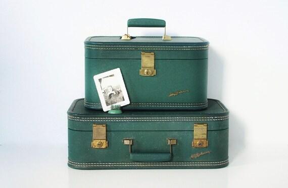 Petite Lady Baltimore Suitcase