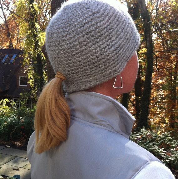 Knit Hat Pattern Ponytail Hole : Knit Hat with Ponytail Hole
