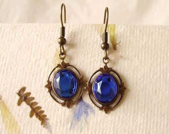 Sapphire and leaves earrings - Marie Antoinette gold and blue gift for her