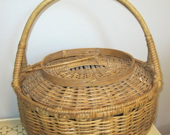 Vintage woven Wicker Bamboo handle sewing Basket Storage Basket Rustic Decor Picnic Basket