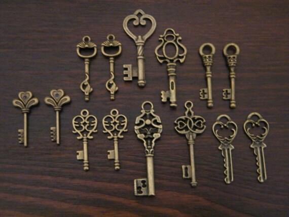 Keys to the Castle - Bronze Skeleton Keys - 14 x Antique Bronze Brass Skeleton Key Pendants Vintage Skeleton Key CharmsReplica Key Set