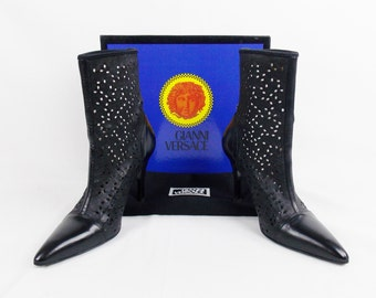 Vintage GIANNI VERSACE CUTOUT Perforated  Leather Ankle  Boots Wth Medusa Hardware Size 8  38