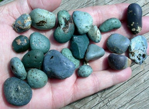 Antique Sea Glass / Beach Glass/ Slag Glass Pebbles from Lake Michigan (suzybones)