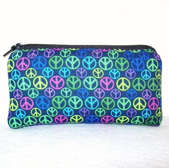 """Peace Signs on Blue Cotton Padded Pipe Pouch 5.5"""""""