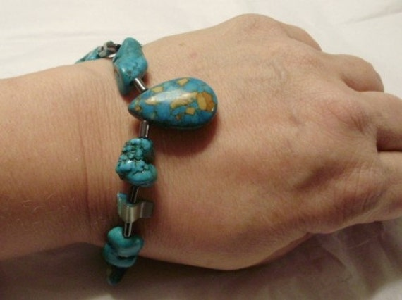 Native American Tear Drop Turquoise and abalone Bracelet
