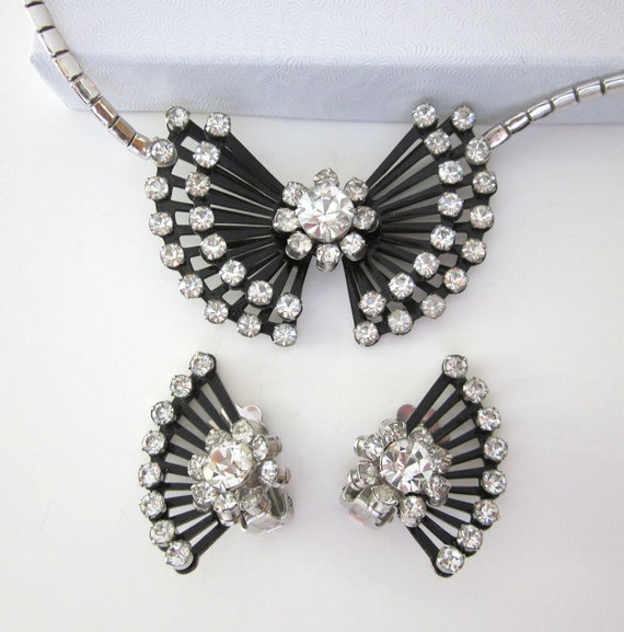 Vintage CORO Rhinestone Necklace and Earrings Set - Black and Clear Art Deco Stye - Modern Design - Fashion Jewelry - JryenDesigns