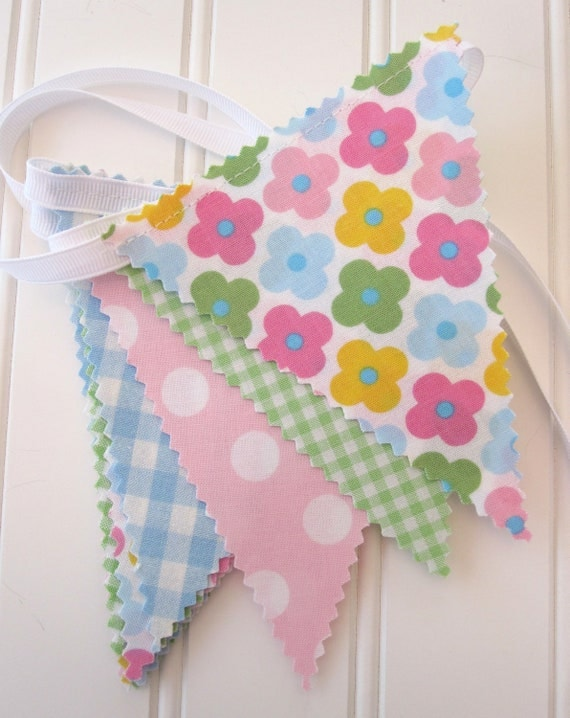 Mini Bunting/Fabric Flag Banner, Girls Bedroom/Nursery/Party/Baby Shower
