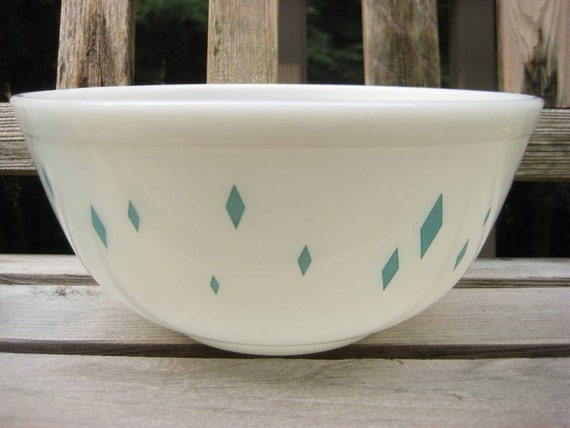 Vintage Pyrex Glass Turquoise Diamond Mixing Batter Bowl
