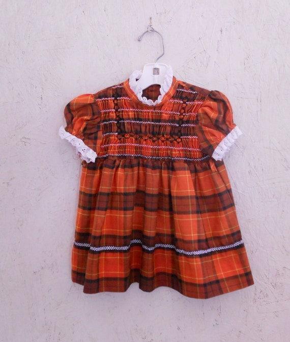 70s Smocked Dress / Polly Flinders Infant Dress