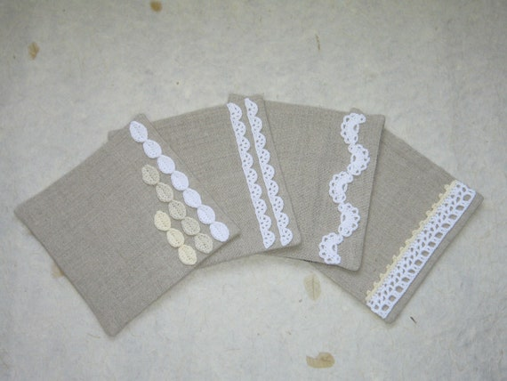 Linen & Cotton fabric coaster set : Crocheted lace