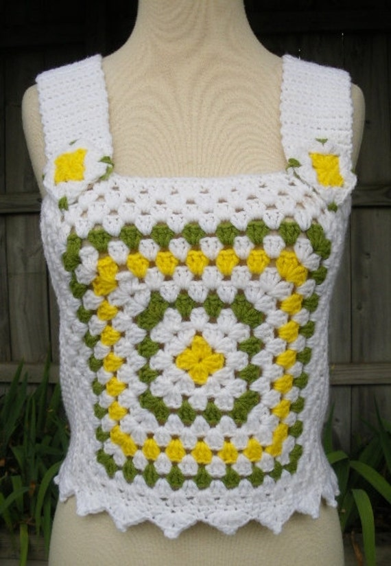reserved  vintage 70s white green yellow crocheted  granny square crop top xs s hippie boho