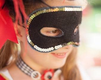 Ring Master Mask