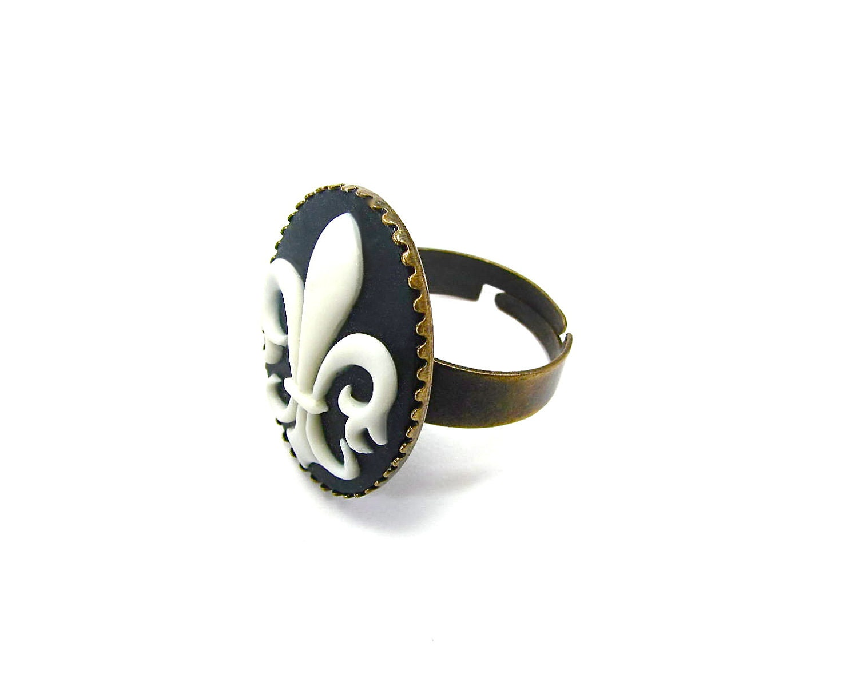 fleur de lis cameo ring antique gold ivory by
