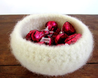 Felted Wool White Bowl, Soft Container, Candy Holder, Ready to Ship