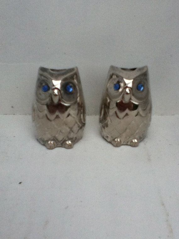 Silver Plate Owl Salt And Pepper Shaker Vintage Small Blue
