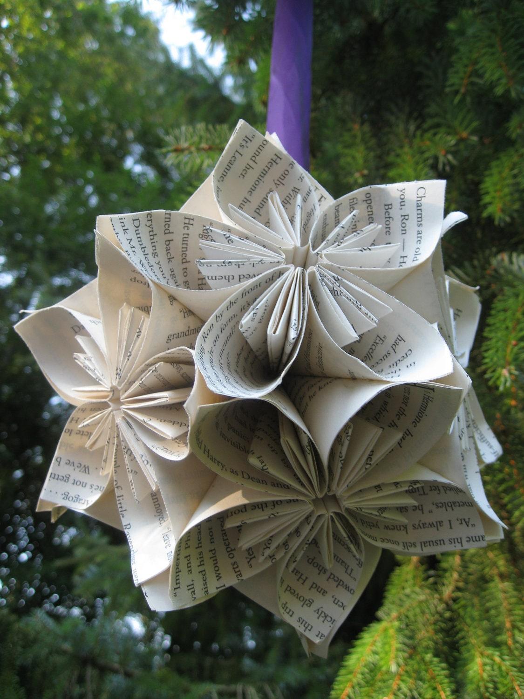 livre norme boule kusudama fleurs en papier origami grand. Black Bedroom Furniture Sets. Home Design Ideas