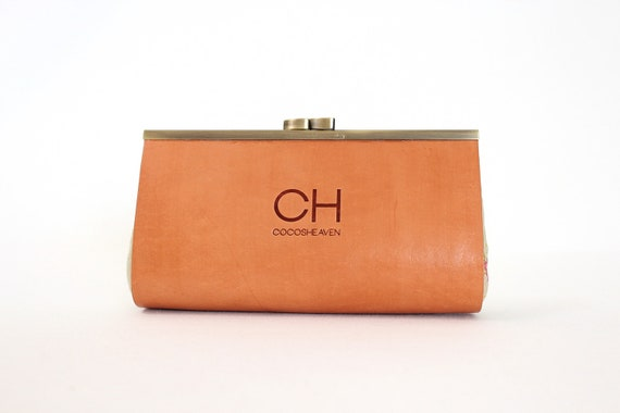 Vintage Leather Clutch / Purse - Tan leather with metal frame - Limited Edition