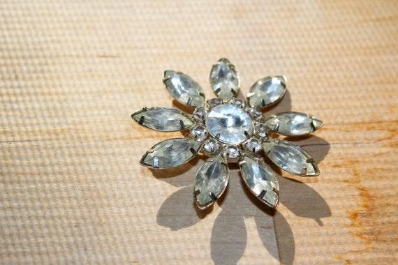 snowflake flower starburst pin clear : brooch bouquet