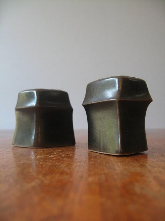 Vintage Iron Mountain Stoneware Salt / Pepper Shakers