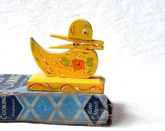 Vintage Wooden Recipe holder, clothespin duck, scandinavian design