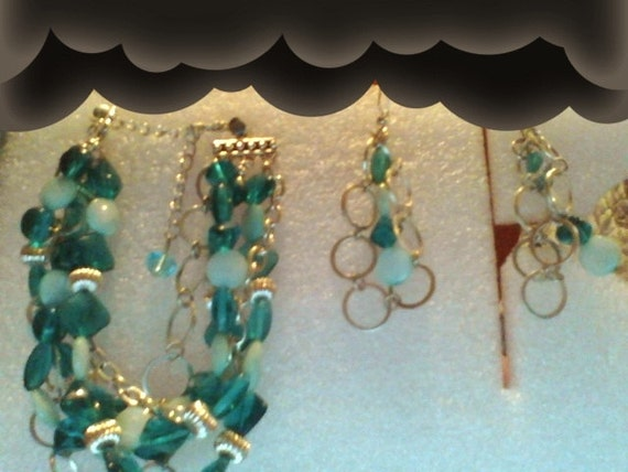 Turquoise Shell& Chain Bracelet Set