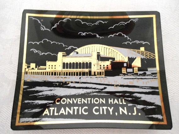 Black Glass Convention Hall Atlantic City NJ Souvenir Jewelry Holder