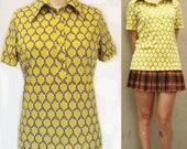 70s Disco Yellow w Flower Pattern Women Henley SZ Small FREE SHIPPING