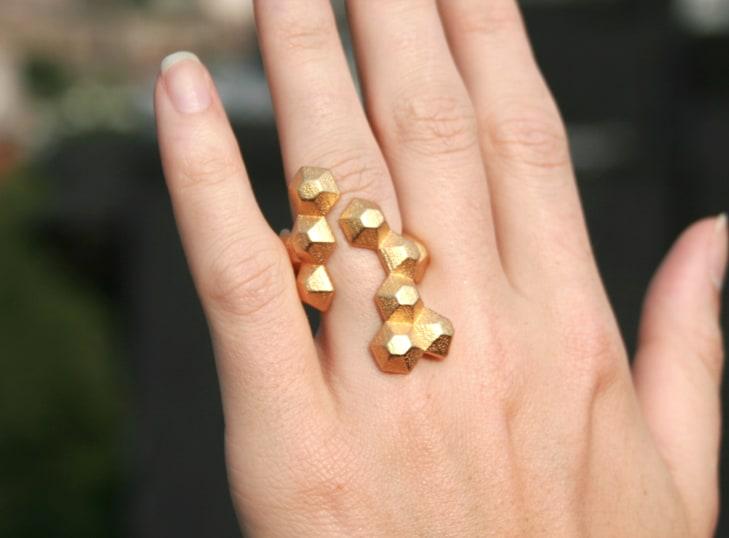 POPULATE Yellow gold modern geometric 3D printed ring