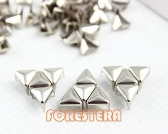200Pcs 8mm Silver Triangle Studs Metal Studs (ST08)
