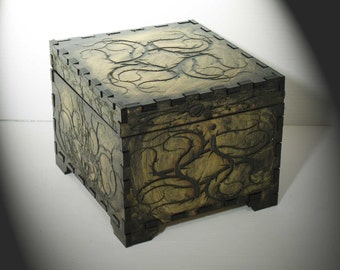 Lord Mock's Thorn Keepsake Box (Medium Jewelry Box)