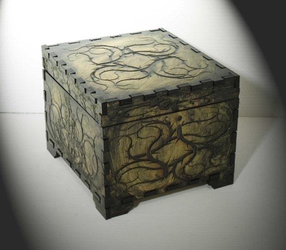 Lord Mock's Thorn Keepsake Box (Medium Jewelry Box)