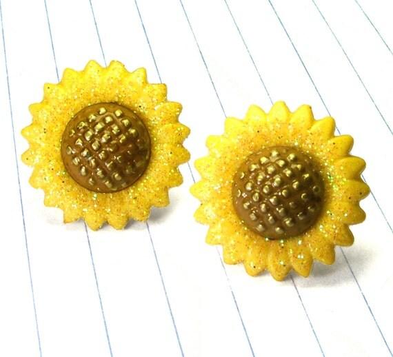 sunflower earrings - sunflower jewelry - sunflower studs - sunflower - flower earrings - flower studs - flower jewelry - yellow earrings