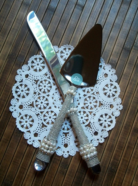 Wedding Cake Serving Set with silvery and pearl beading