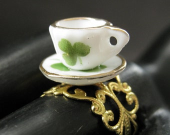 Porcelain Teacup Ring. Green Clover Tea Cup Ring. Gold Filigree Adjustable Ring. Handmade Jewelry.