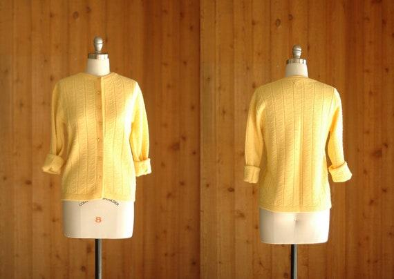 50% OFF SALE / vintage 1960s yellow cardigan / size medium