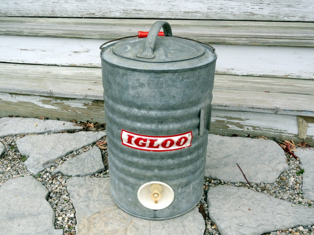 Antique igloo 3 gallon water cooler vintage refreshment - Igloo vintage ...