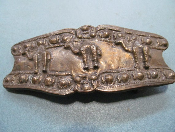 Three camels brass belt buckle