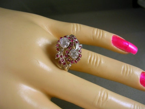 Antique 1940s White Sapphire and Ruby Ring size 7.5 white gold 14K 2.08 carats 5.5 grams