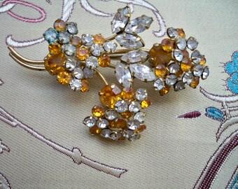 Vintage 1940s Gold Tone Glass Rhinestone Flower Bouquet Brooch