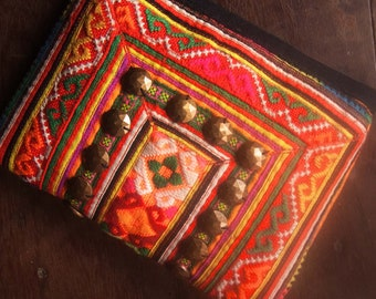 Ethnic case bag for stationery and cosmetic // coins purse // wallet // camera case // tribal