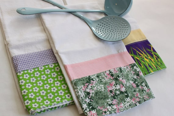 Mom's Tea Towel (flour sack, kitchen, tea towel), set of 3 purple, sweet cottage chic, checked gingham