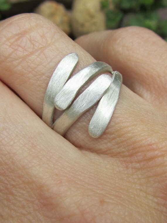 Silver 'HUG' ring size 5 hammered and brushed - Ready to ship